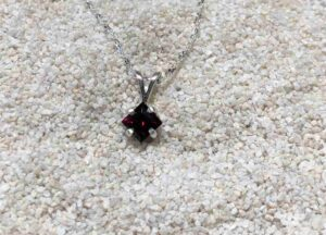 Idaho-garnet-Square-Necklace