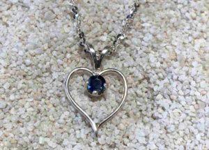 Heart-Pendant_Sapphire