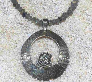 Rough-sapphire-pendant