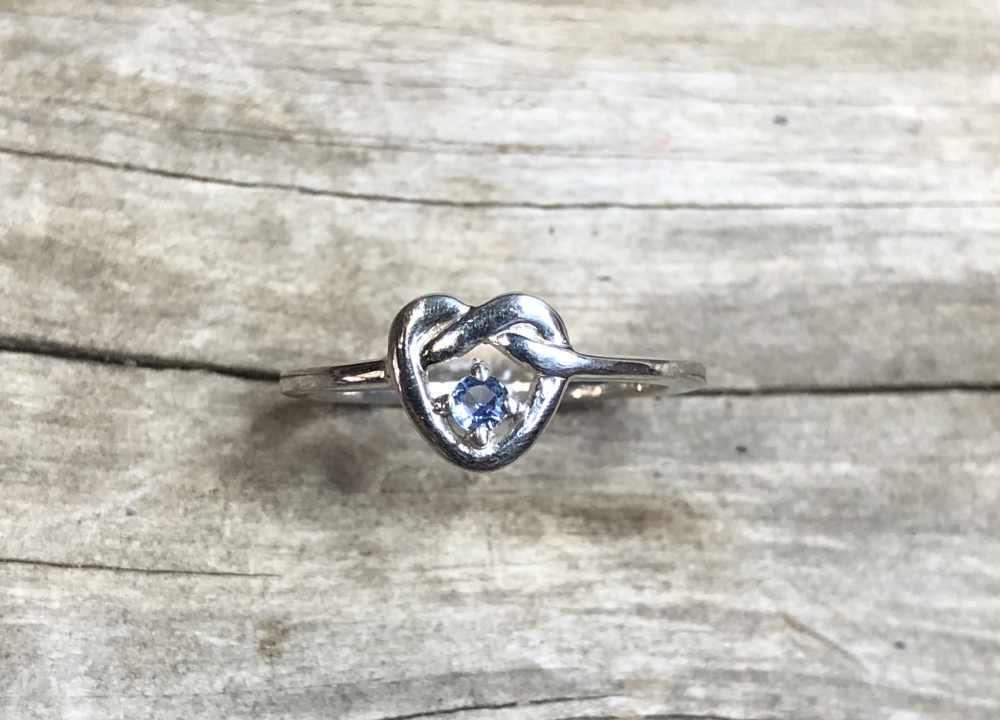 Yogo-Sapphire-Heart-Ring