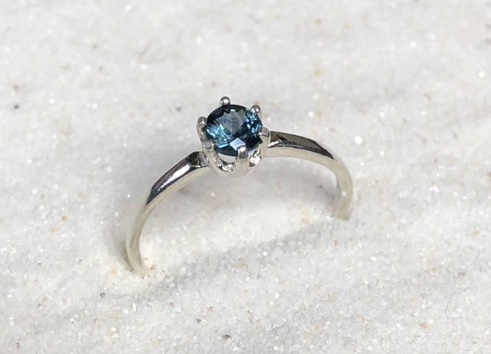 Sapphire-Ring-Montana