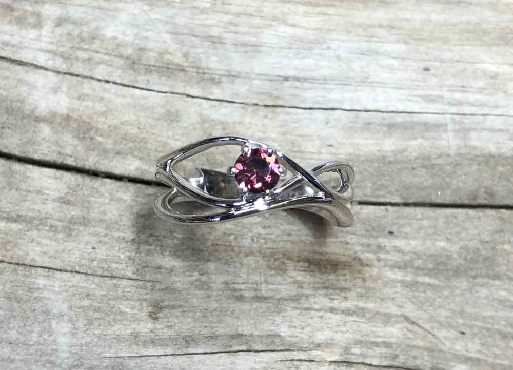 Garnet-Wave-Ring