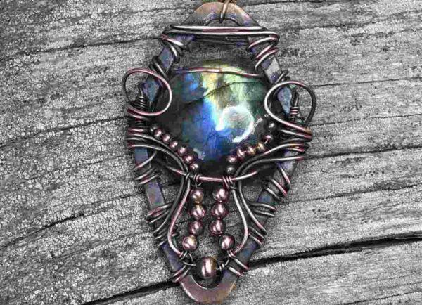 Shield-Labradorite-Necklace