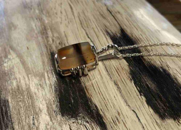 Montana-agate-square-pendant