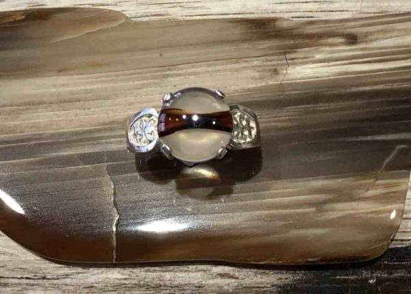 Round Montana Agate ring