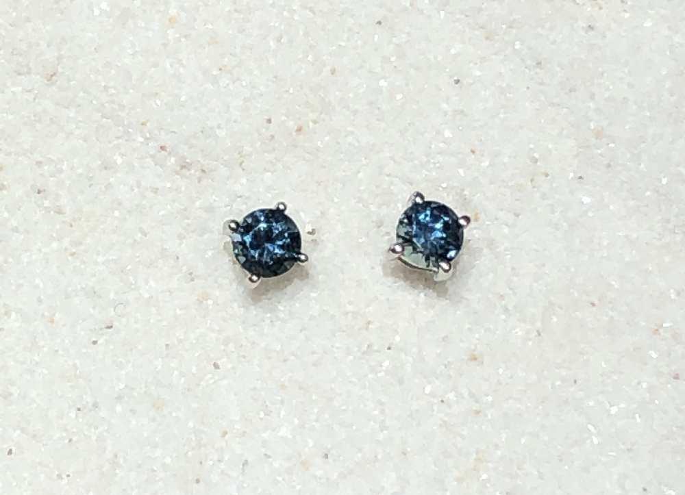 4mm stud earring