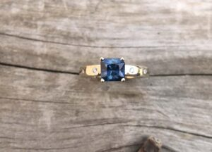 Square-Princess-Sapphire-Ring