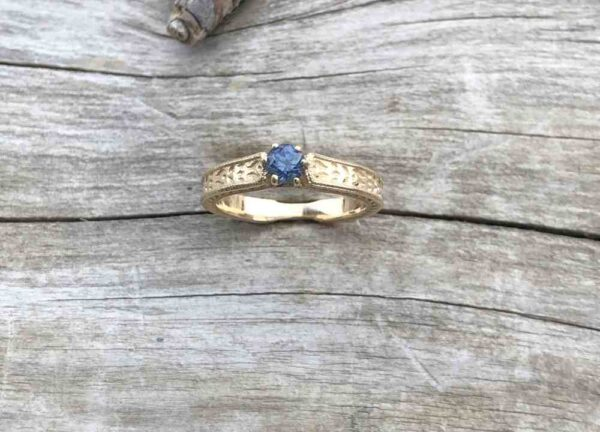 Textured-Gold-Sapphire-Ring