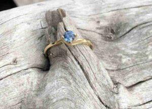 Blue-Twist-Sapphire-Ring