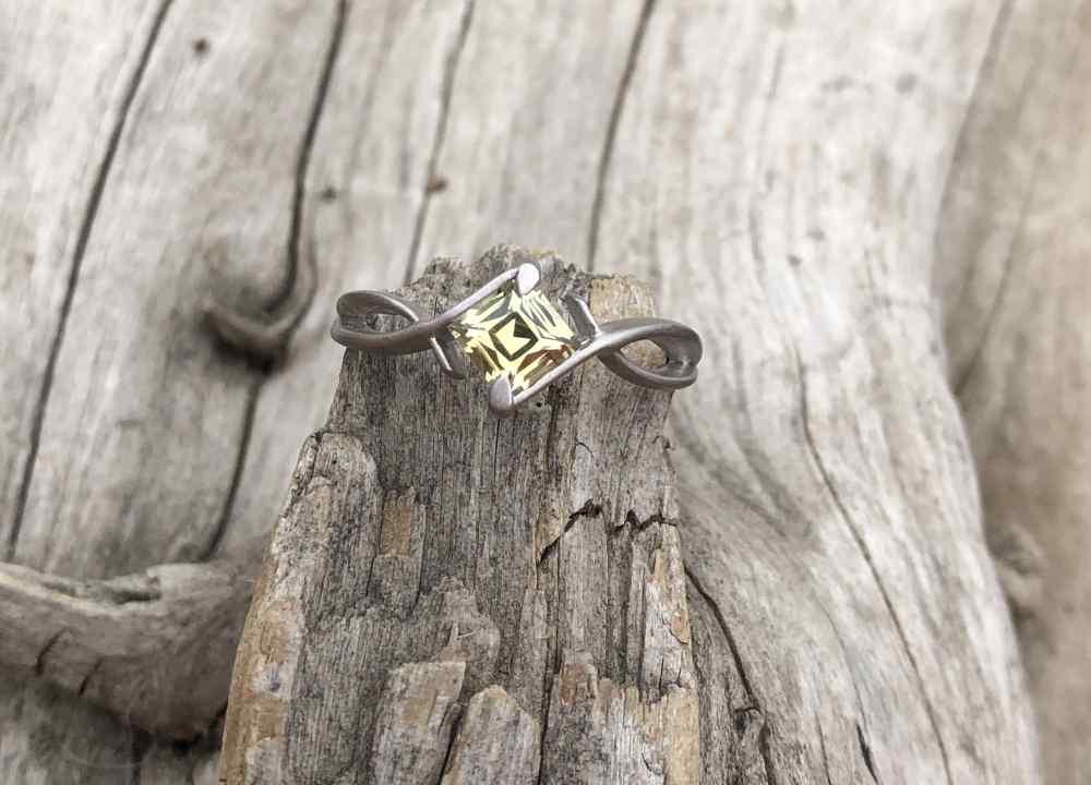 Square-Montana-Sapphire-Ring