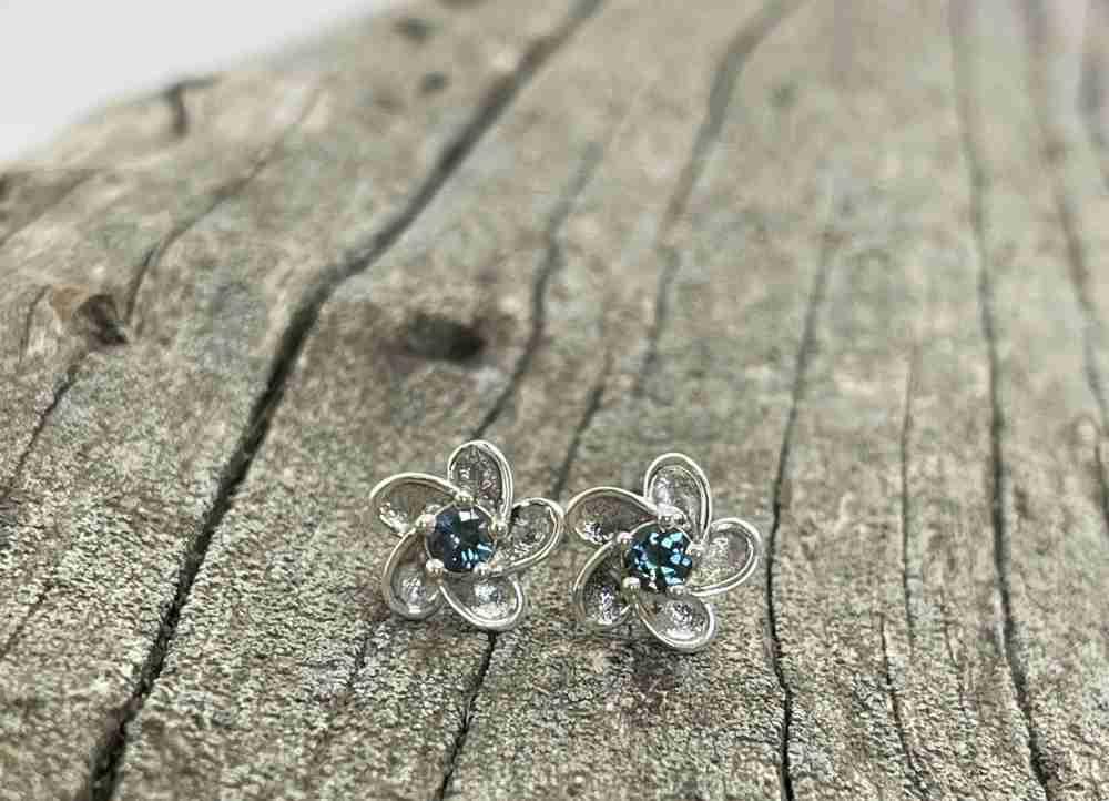 Sapphire-Flower-Earrings