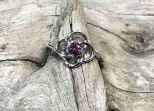 Knotted-Idaho-Garnet-Ring
