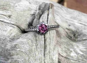 Twisted-Hexagon-Garnet-Ring